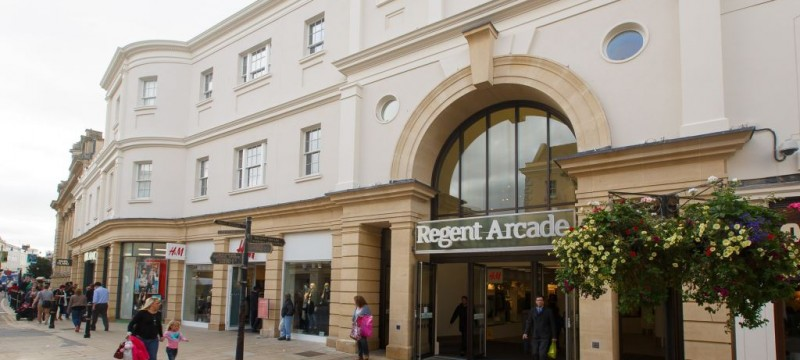 Regent Arcade Races Ahead in Cheltenham